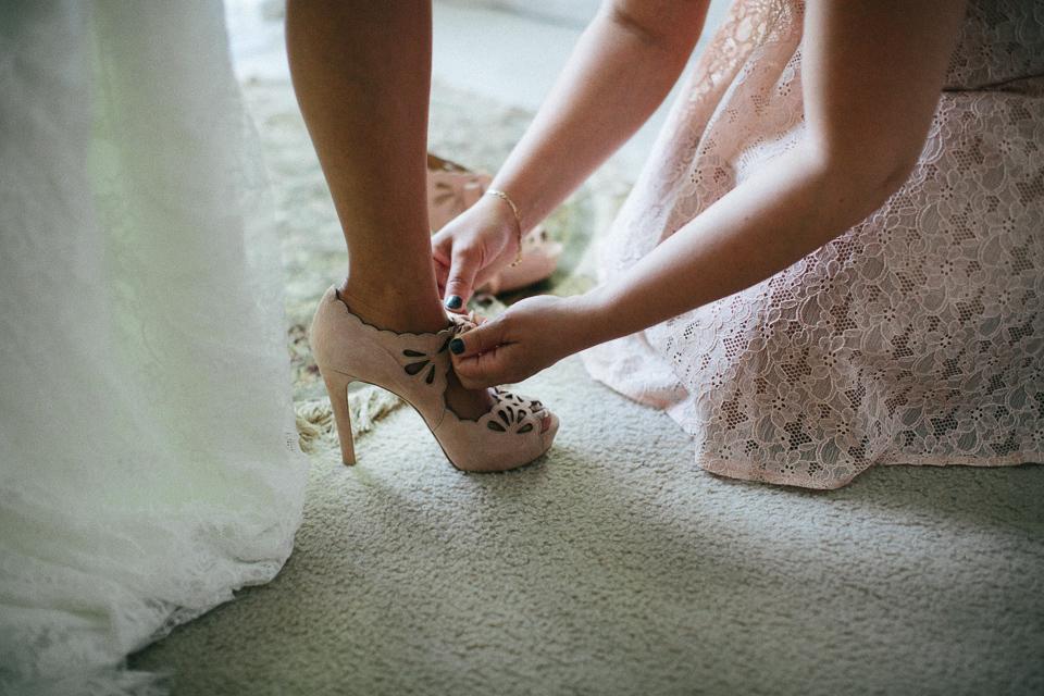 no todo tiene que ser blanco en tu outfit de novia. – bouquet