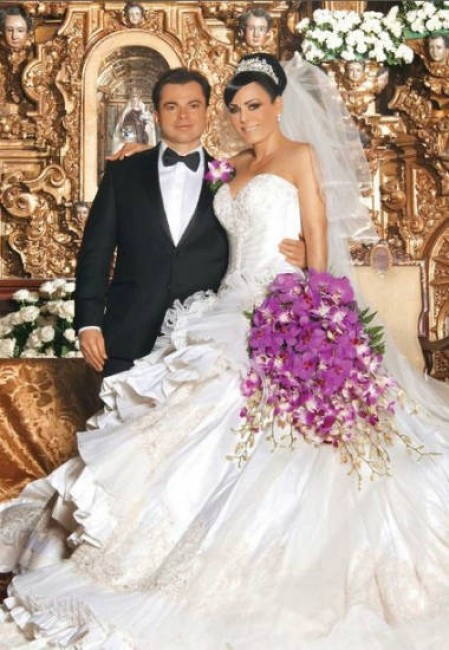 vestidos de novia de famosas mexicanas – bouquet wedding cinematography