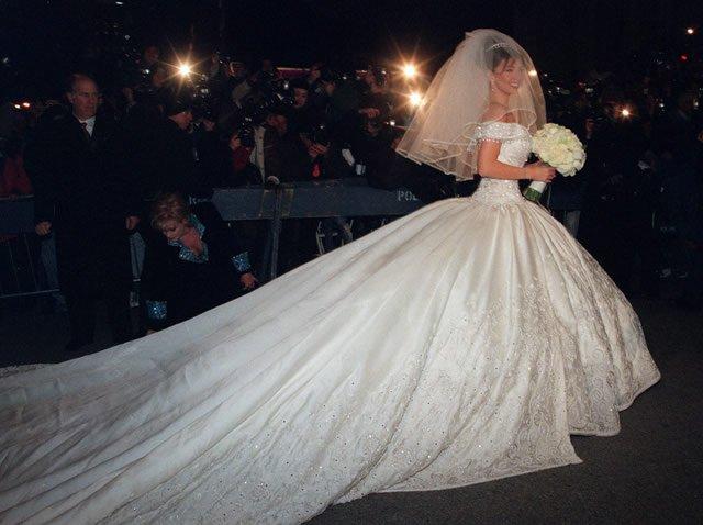 vestidos de novia de famosas mexicanas – bouquet wedding cinematography